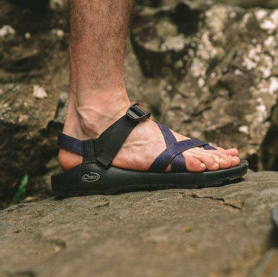 https://www.chacos.com/US/en/z-2-classic/24083M.html?dwvar_24083M_color=J105463#cgid=men-footwear-sandals&start=1