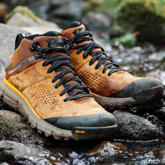 https://huckberry.com/store/danner/category/p/58018-trail-2650-mid