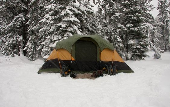 https://simpletenting.com/tips-for-tent-camping-in-the-snow/